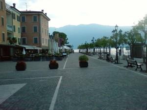 Gargnano - lago di Garda 7:12 AM.